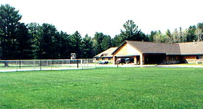 Front view of White Pine Lodge with Sport Court